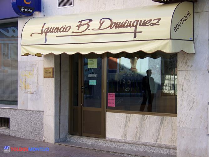 Toldos Montijo, capota en tienda, entrada