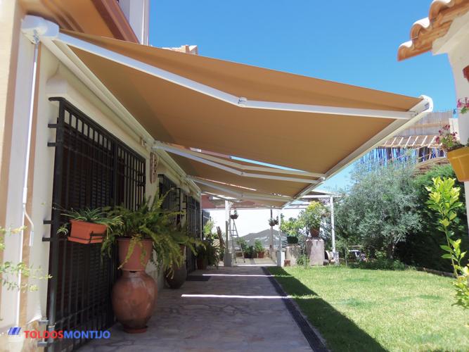 Toldos Montijo, Toldos, cofres y semicofres en patio