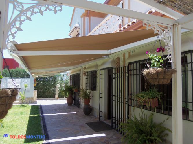 Toldos Montijo, Toldos, cofres y semicofres en patio 3