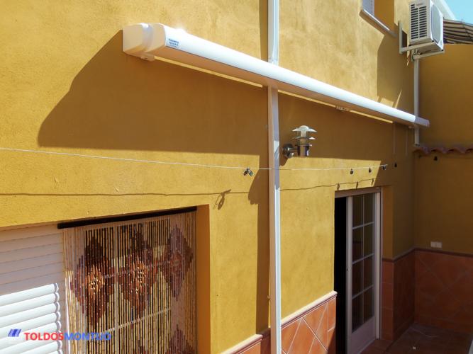 Toldos Montijo, Toldos, cofres y semicofres en porche recogido